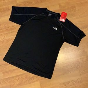 NWT The North Face Short Sleeve Voltage Crew Shirt